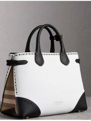 Burberry-porshum-white (1)