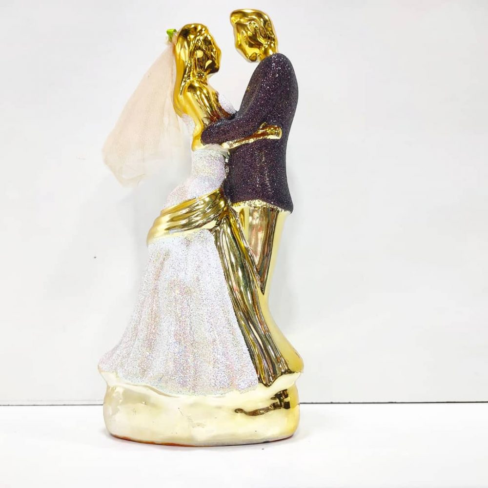 Golden Couple Showpiece